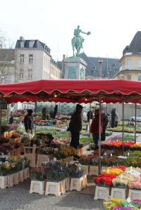 The Saturday market at Place Guillaume